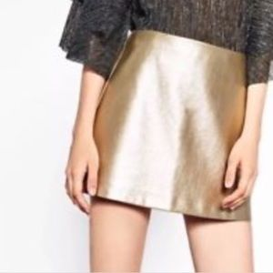 ✨Zara Trafaluc Gold Mini Skirt / Size S / NWT✨